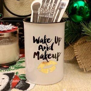 NWT ceramic makeup brush vanity jar